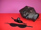 Kukla s odnímatelnou maskou na oči a roubíkem